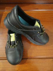 giày NTT đế đen